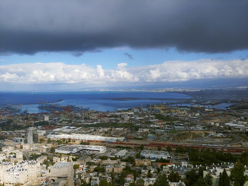 מפרץ חיפה וענניו צילום: מאיר פלג