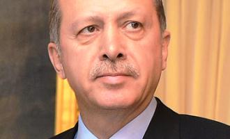ארדואן הורס את כלכלת טורקיה
