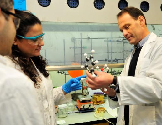 זיהוי סמים וחומרי נפץ בלימודי המדע הפורנזי