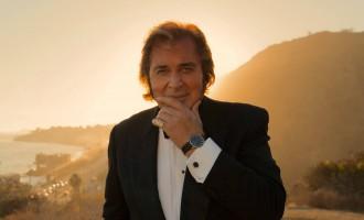 הזמר אנגלברט הומפרדינק מגיע לישראל