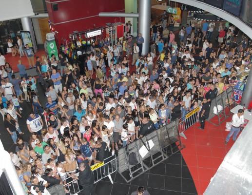 10,000 איש בפתיחת הסניף הראשון של urbanica