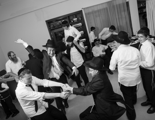 'מעומקא דליבא' – תערוכתו של ראובן צוקרמן