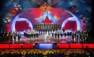 מקהלת הצבא האדום מגיעה לסיבוב הופעות