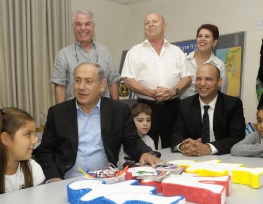 ראש הממשלה ושר החינוך ביקרו בבית ספר באשקלון