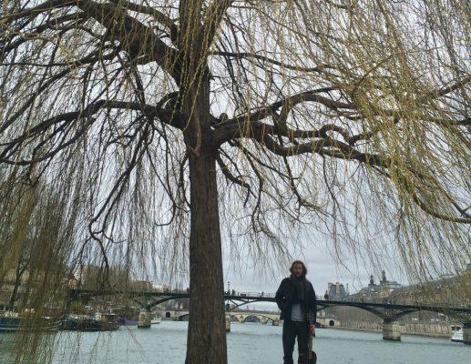 עשרה ימים בפריז